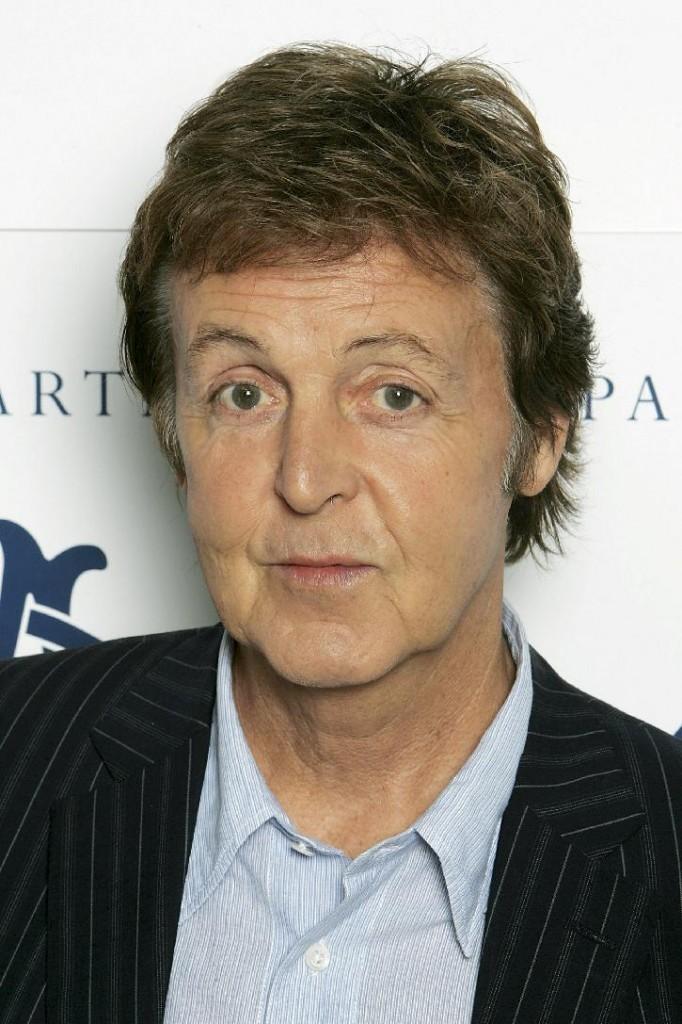 http://www.mysterieuxetonnants.com/wp-content/uploads/2012/01/Paul_McCartney-682x1024.jpg