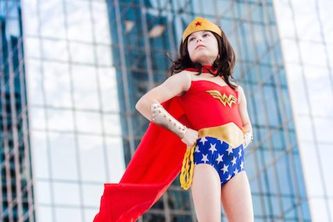 Alice Wonder Woman petit